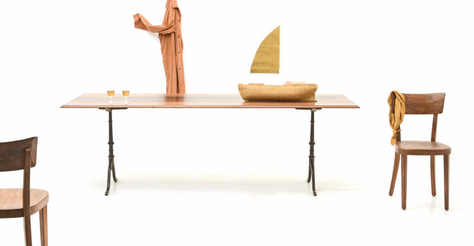 viadukt 3 neue wie auch restaurierte holztische und. Black Bedroom Furniture Sets. Home Design Ideas